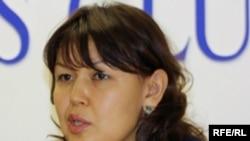 Жәмила Жәкішева Астанадағы баспасөз-мәслихатында, 2 наурыз, 2010 жыл.