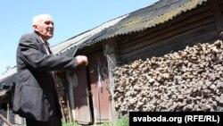 Вэтэран пагражае чыноўнікам скардзіцца Лукашэнку