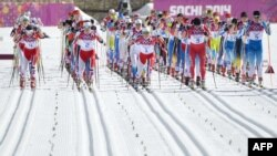 Старт забега на 30 километров на Олимпиаде в Сочи, 22 февраля 2014 года.