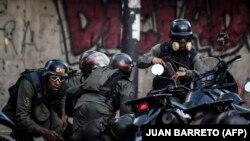 هشتم مرداد ماه، با وجود ماهها مخالفتهای سیاسی و اعتراضات و راهپیماییهای خیابانی، مادورو رایگیری مربوط به تشکیل «مجلس موسسان» را برگزار کرد