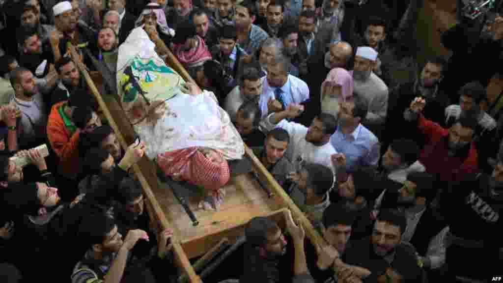 Похороны убитых палестинцев