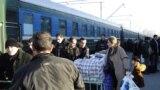 Bakı-Moskva qatarının sərnişinləri yorğun və qayğılı görünürlər