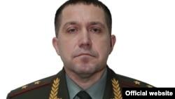 Къилбаседа Кавказан тIеман гонан Оьрсийчоьнан къоман гвардин буьйранча инарла-лейтенант Гетманов Игорь.