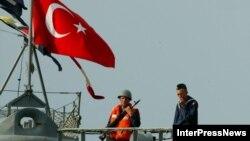 Корабль турецких ВМС в батумском порту (архивное фото)