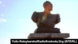 Монумент Іванові Сірку на Дніпропетровщині