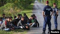 Маҗарстан полициясе Сербия белән чик буенда әфган качакларын тоткарлады