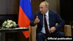 Putin dzýuda ýaryşy we Orban bilen gepleşik geçirmek üçin Wengriýa barýar