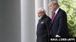U.S. President Donald Trump (right) and Indian Prime Minister Narendra Modi (file photo)