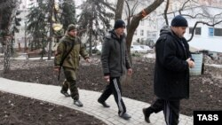 Ukrainian prisoners of war being led by pro-Russian rebels in the eastern region of Donetsk on February 18