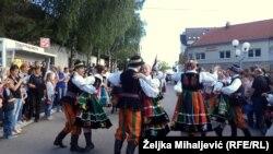 Tradicija je obogaćena i Međunarodnom smotrom folklora.