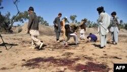 Пасьля выбуху каля вёскі Адэзай пад Пешаварам. 9 сакавіка 2011 г.