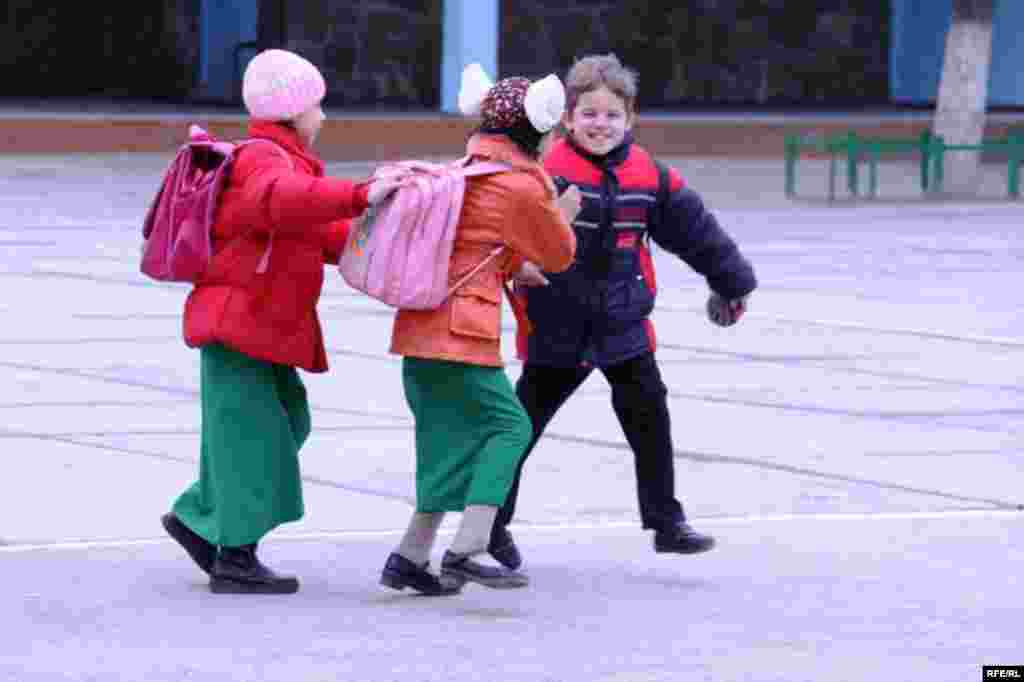 Russian School In Turkmenistan #22