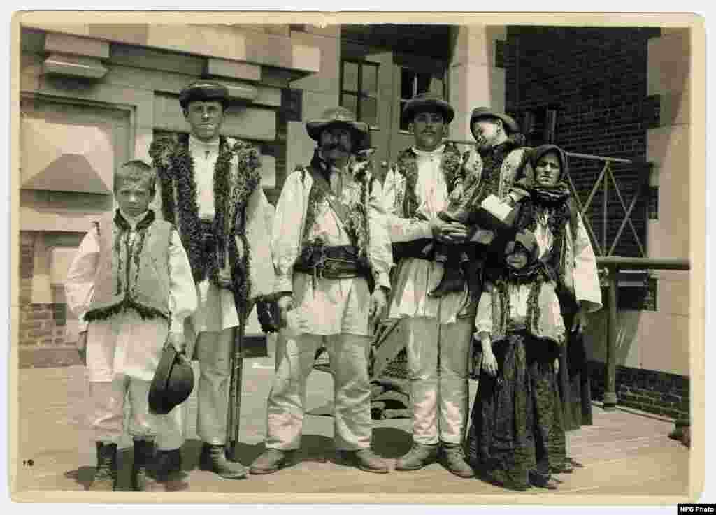 Romanian shepherds (circa 1910).