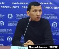 Демпартияны құру бойынша бастама топ мүшесі Алатау ауданының тұрғыны Абзал Достияров. Алматы, 16 қаңтар 2020 жыл.