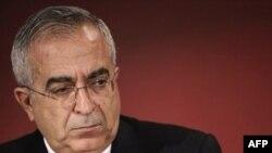 نخست وزير تشکيلات خودگردان فلسطينی می گوید که پول روز شنبه پرداخت شده است. (عکس:AFP)