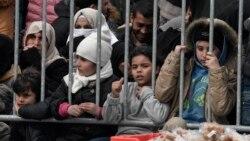 Sirianët presin hapjen e kufijve për të mbërritur në Evropë
