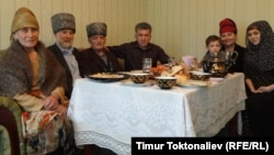 Чүй облусунун Ново-Покровка айылында турган Мишаевдердин үй-бүлөсү
