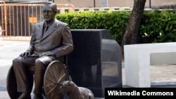 Памятник президенту США Франклину Рузвельту в Пуэрто-Рико