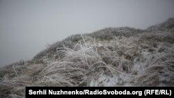 Атмосферний фронт, який минулого тижня зайшов в Україну із заходу, приніс дощі і похолодання на більшу частину території країни