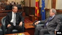 Европарламентарий Роберт Уолтер на встрече с председателем македонского парламента Трайко Вельяновским