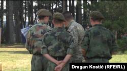 """Лагерь """"Златибор"""": воспитанники и инструктор"""