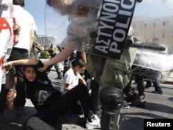 Protesti u Grčkoj zbog vladinih mera štednje, Atina, oktobar 2011.