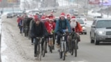 Novosibirsk Santas on bicycles