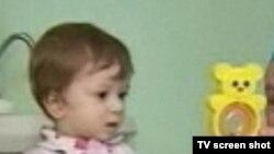"2011 йилда Красногорск шаҳридаги ""Ашан"" гипермаркетига ташлаб кетилган Амиржон Тўхтаев."