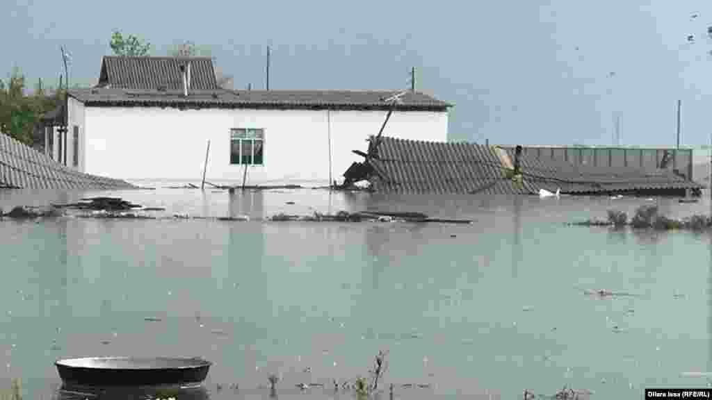 3 мамырда Түркістан облысы әкімдігі Мақтарал ауданындағы төрт елді мекенде 620 үй бүлінді деп хабарлады. Жаңа тұрмыс ауылы, 2 мамыр 2020 жыл.