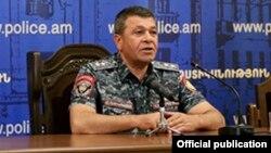 Ոստիկանապետ Վլադիմիր Գասպարյանը խորհրդակցություն է անցկացնում, արխիվ