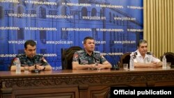 Armenia -- The chief of the Armenian police, Vladimir Gasparian (C), holds a meeting in Yerevan, 8Aug2016.