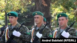 Военные утверждают, что престиж их службы в республике только растет