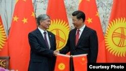 Алмазбек Атамбаев и Си Цзиньпин.