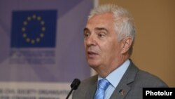 Armenia - Ambassador Piotr Switalski, the head of the EU Delegation in Armenia, speaks in Yerevan, 4Jul2017.