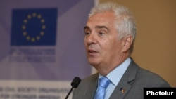 Armenia - Piotr Switalski, the head of the EU Delegation in Armenia, speaks in Yerevan, 4Jul2017.