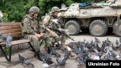 Ուկրաինացի զինվորները Սլավյանսկ քաղաքում, 8-ը հուլիսի, 2014թ․