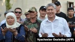 Алмазбек Атамбаев в своем доме в селе Кой-Таш. 26 июня 2019 года.