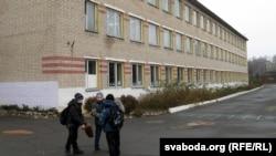 Сярэдняя школа ў Капаткевічах