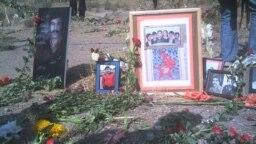 گورستان خاوران محل گورهای دستهجمعی بخشی از اعدامیان ۶۷ است