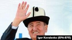 Сооронбай Жээнбеков, кандидат в президенты Кыргызстана. Бишкек. 7 октября 2017 года.