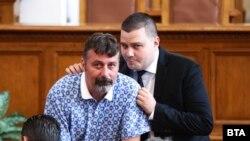 """Филип Станев (ляво) и Станислав Балабанов са депутати от """"Има такъв народ"""""""