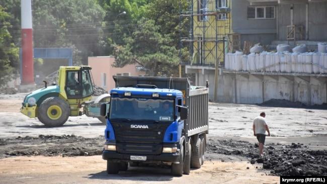 Строительные работы на стадионе «Горняк», июль 2020 года