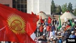 Жазында Бишкектин борбордук аянтына кайрадан эл толкуп чыгабы?