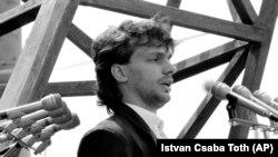 16 iunie 1989/ Budapesta. Tânărul lider al Fidesz, Viktor Orban, la reînhumarea eroului Revoluției Maghiare din 1956, Imre Nagy, și a celor executați împreună cu el după înăbușirea protestelor de către trupele sovietice