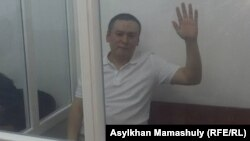 Жанболат Мамай сотта отыр. Алматы, 21 тамыз 2017 жыл.