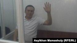 Жанболат Мамай в суде. Алматы, 21 октября 2017 года.