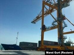 Түркіменбашыдағы жаңа порттың инфрақұрылымы. 2 мамыр 2018 жыл.