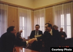 Окончание визита американских психиатров в СССР. Фотография из архива Андрея Ковалева