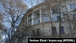 Одиннадцатый дом на улице Адмирала Макарова построен без излишеств