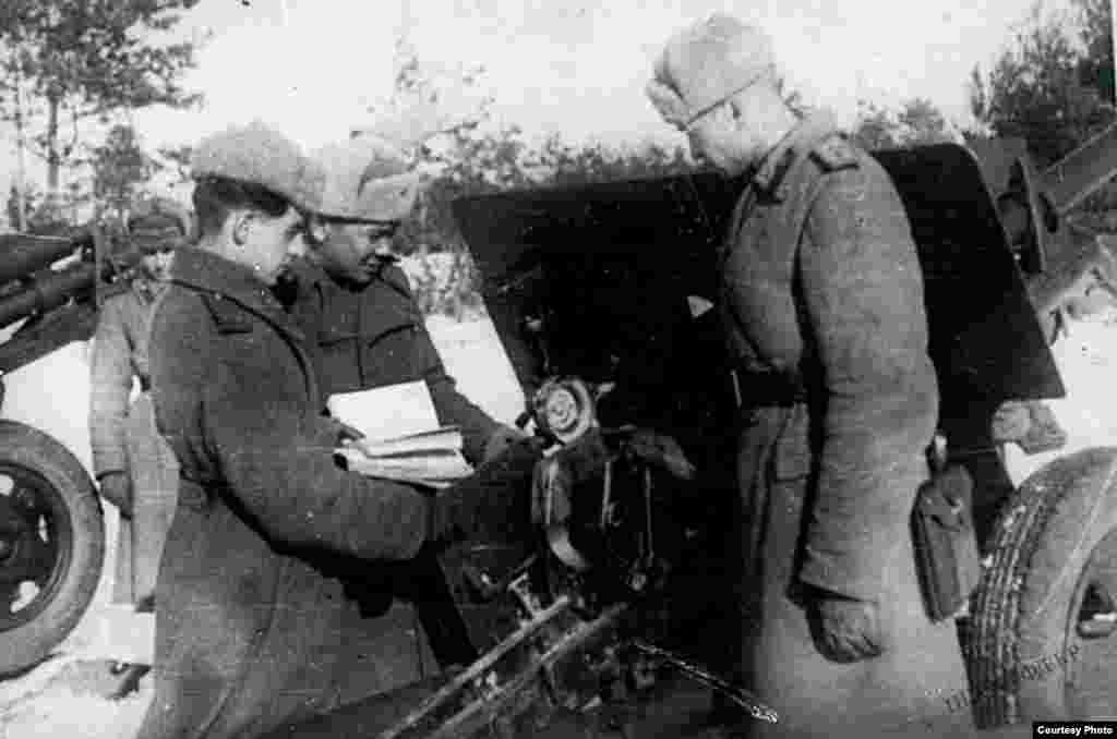 Артиллериялык батареяны даярдоо. 1943-жыл